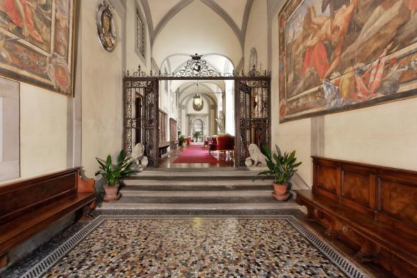 Palazzo Magnani Feroni Hotel
