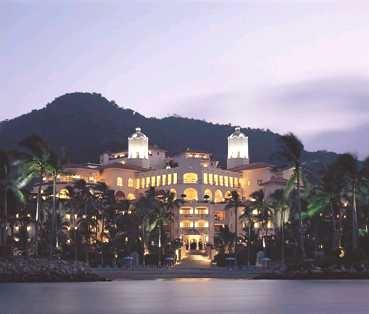 Grand Bay Hotel Isla Navidad Resort